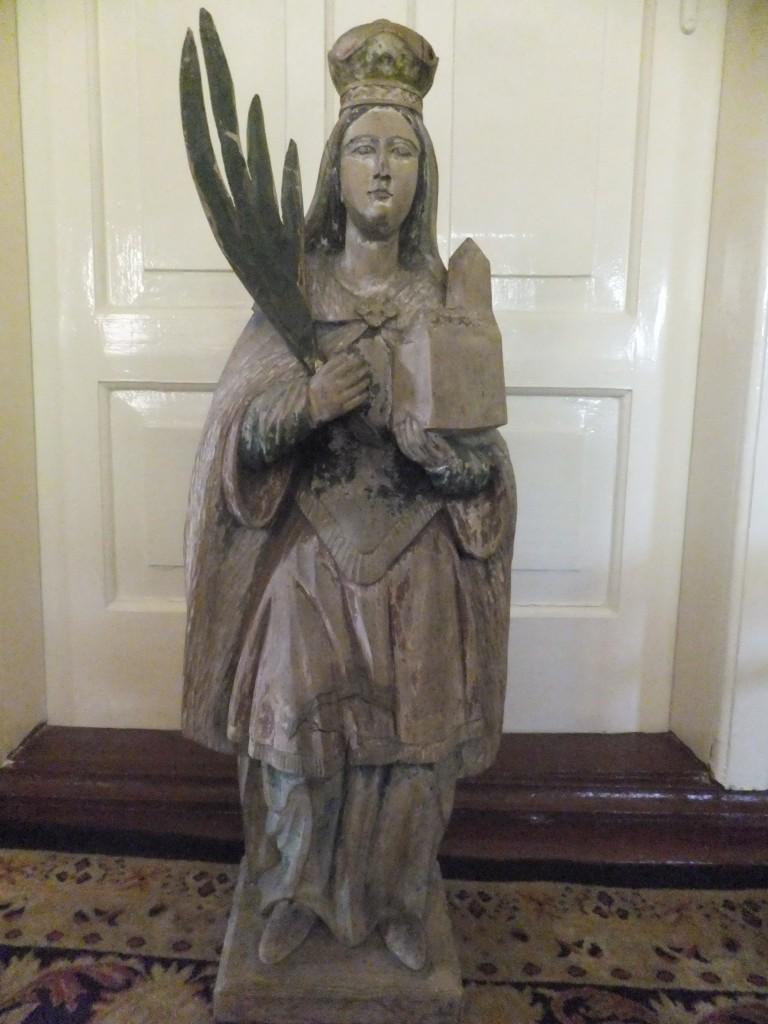 Św. Jadwiga – rzeźba wykonana wdrewnie